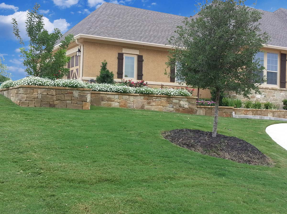 Lawn landscape maintenance liberty lawn care landscaping for Lawn and garden maintenance